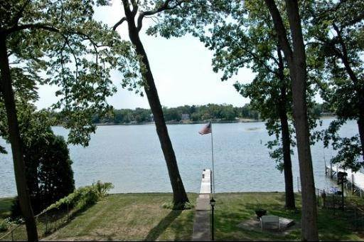 Detached House at 1099 North Shore Drive Crystal Lake, Illinois 60014 United States