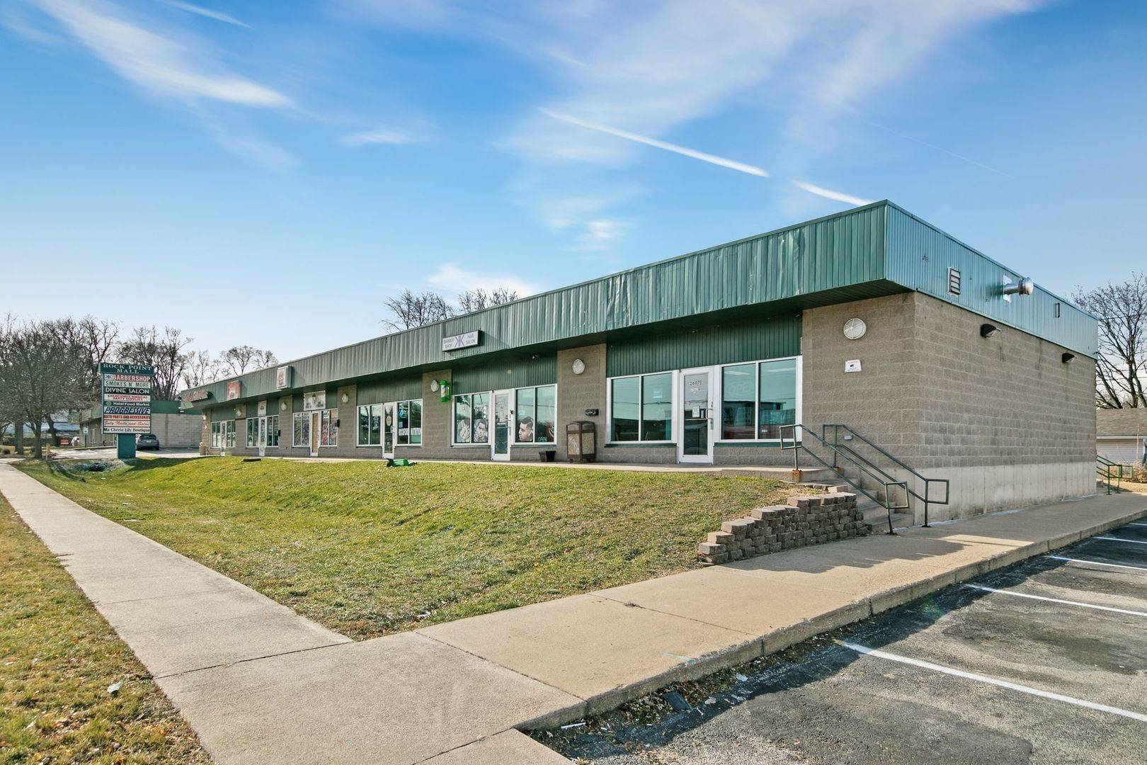 Commercial for Sale at 2651 20th Street Rockford, Illinois 61109 United States