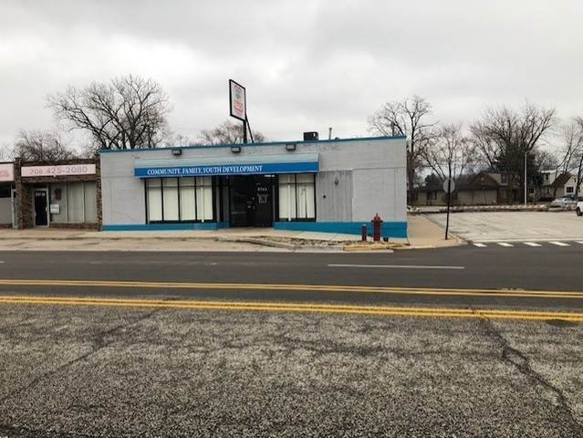 Commercial for Sale at 9741 Southwest Highway Oak Lawn, Illinois 60453 United States