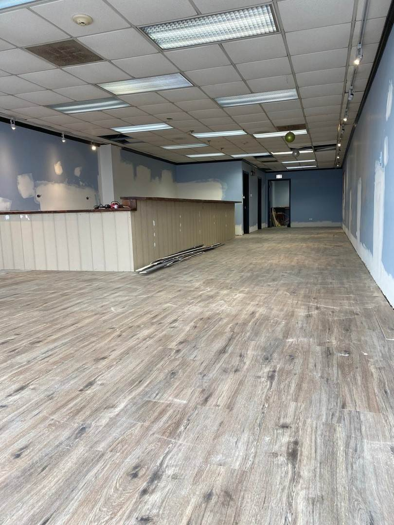 Commercial at 213 W Grand Avenue Bensenville, Illinois 60106 United States