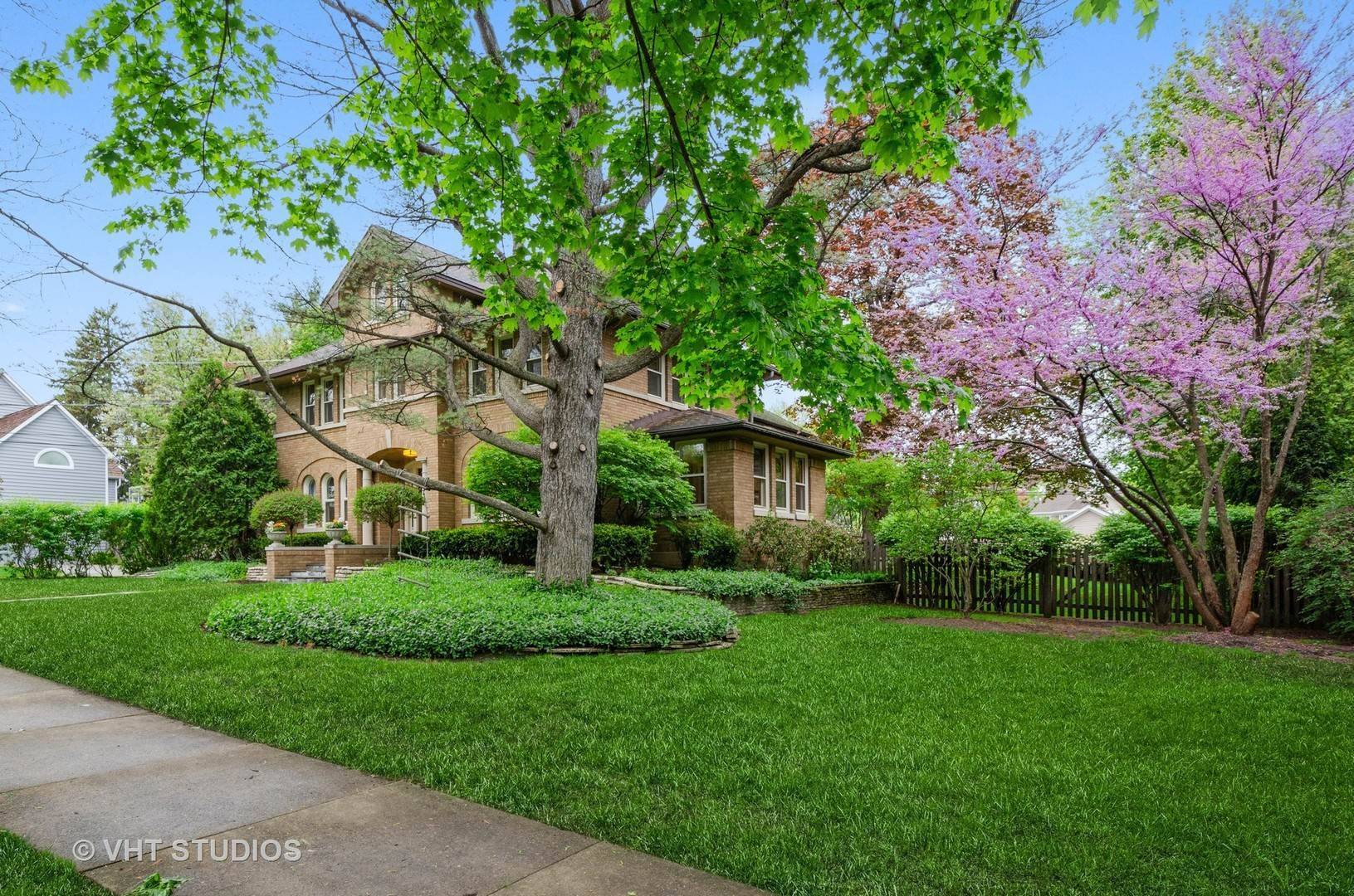 Single Family Homes for Sale at 1762 Highland Avenue Wilmette, Illinois 60091 United States