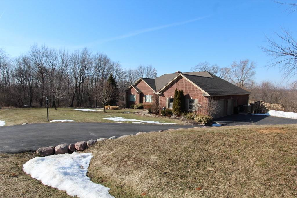 Single Family Homes for Sale at 1518 Holian Drive Spring Grove, Illinois 60081 United States