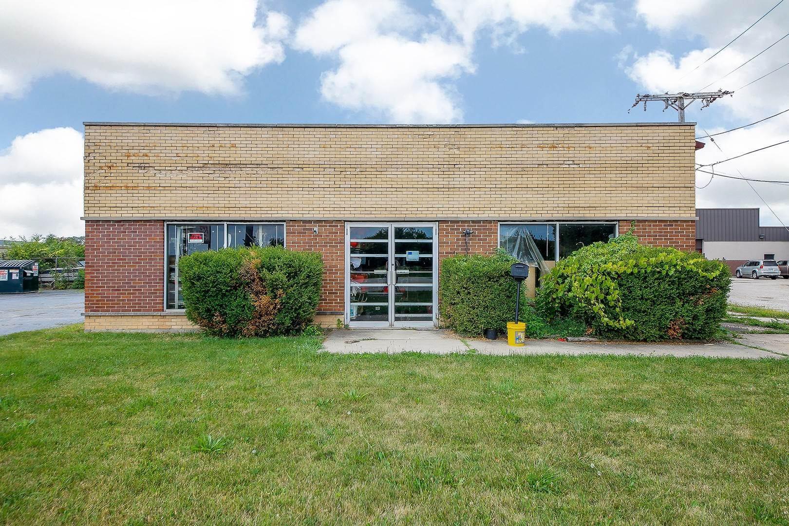 Commercial for Sale at 560 N York Road Bensenville, Illinois 60106 United States