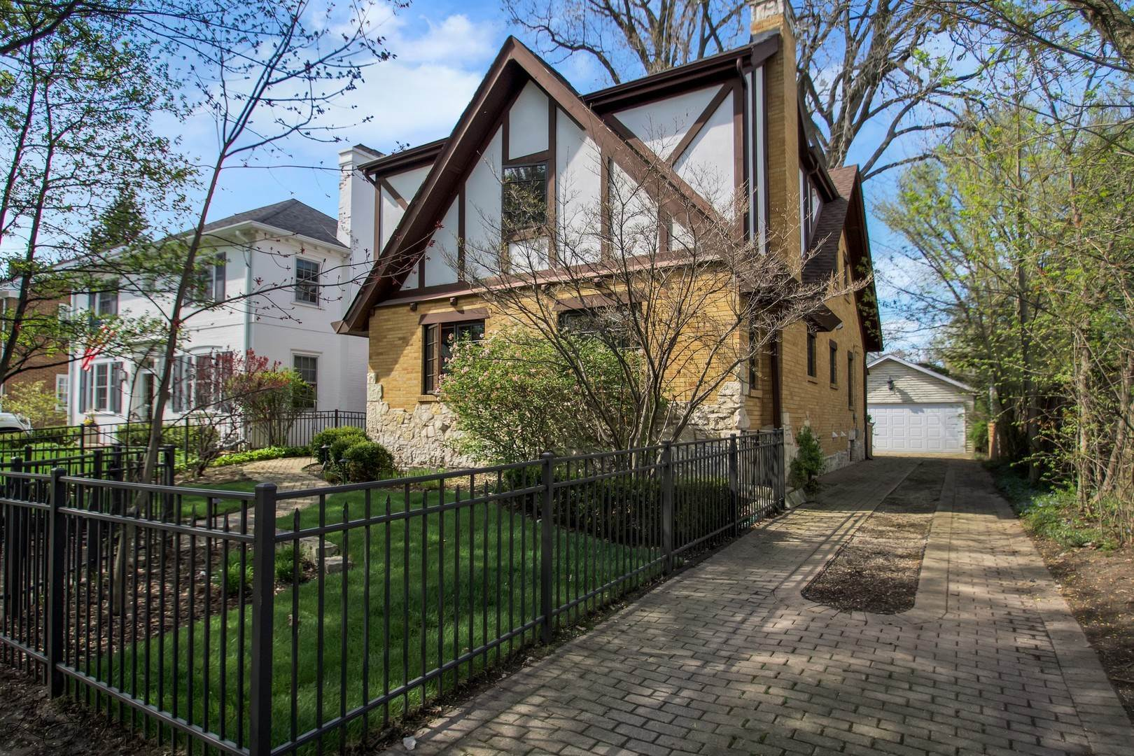Single Family Homes for Sale at 1936 Thornwood Avenue Wilmette, Illinois 60091 United States