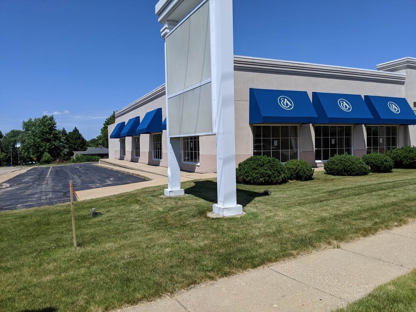 Commercial for Sale at 4720 E State Street Rockford, Illinois 61108 United States