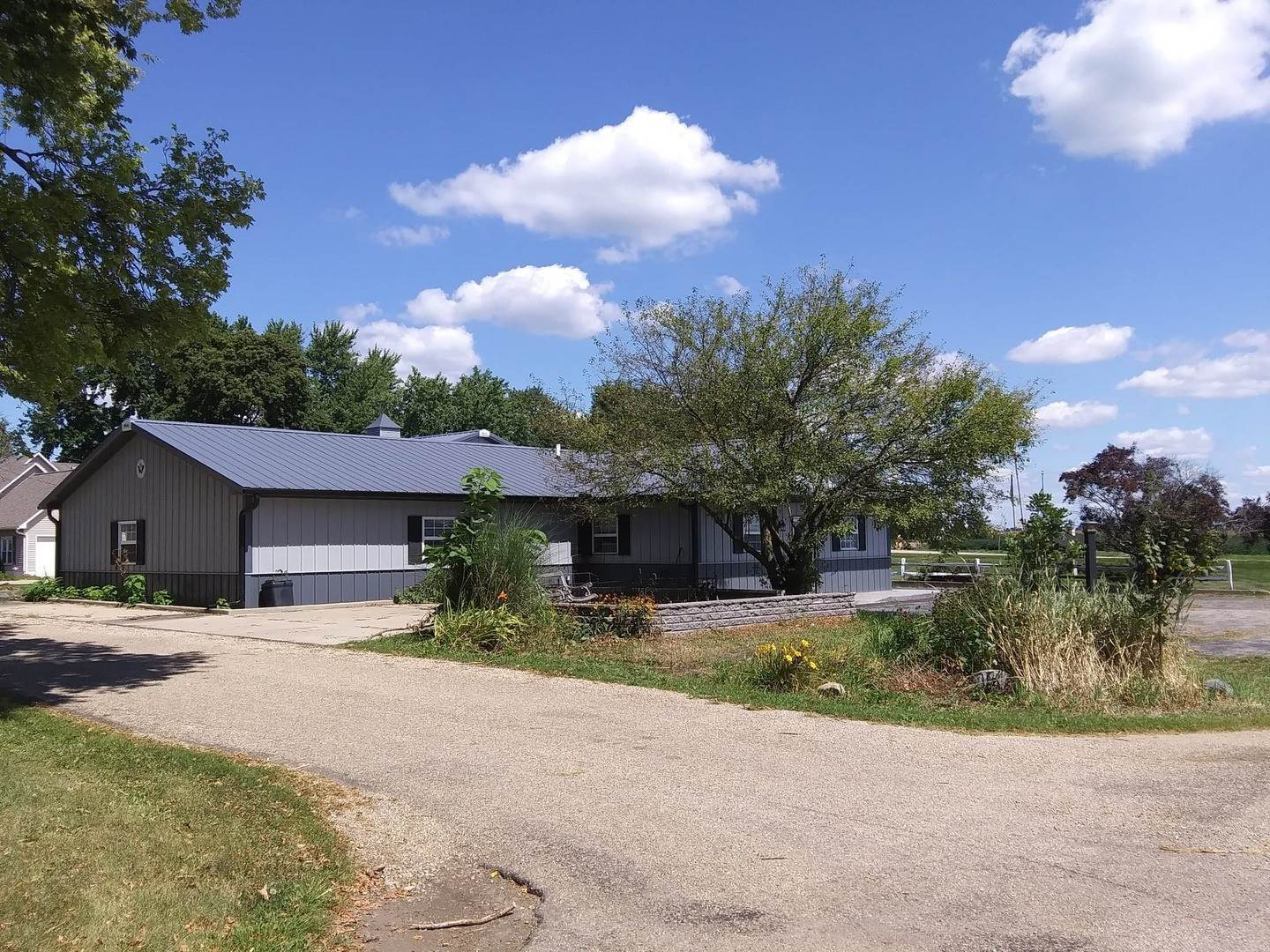 Commercial for Sale at 107 W Main Street McNabb, Illinois 61335 United States