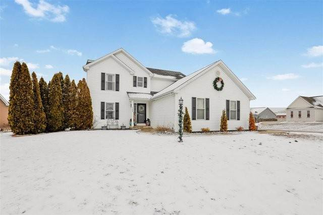 Single Family Homes for Sale at 1304 Devonshire Drive Monticello, Illinois 61856 United States