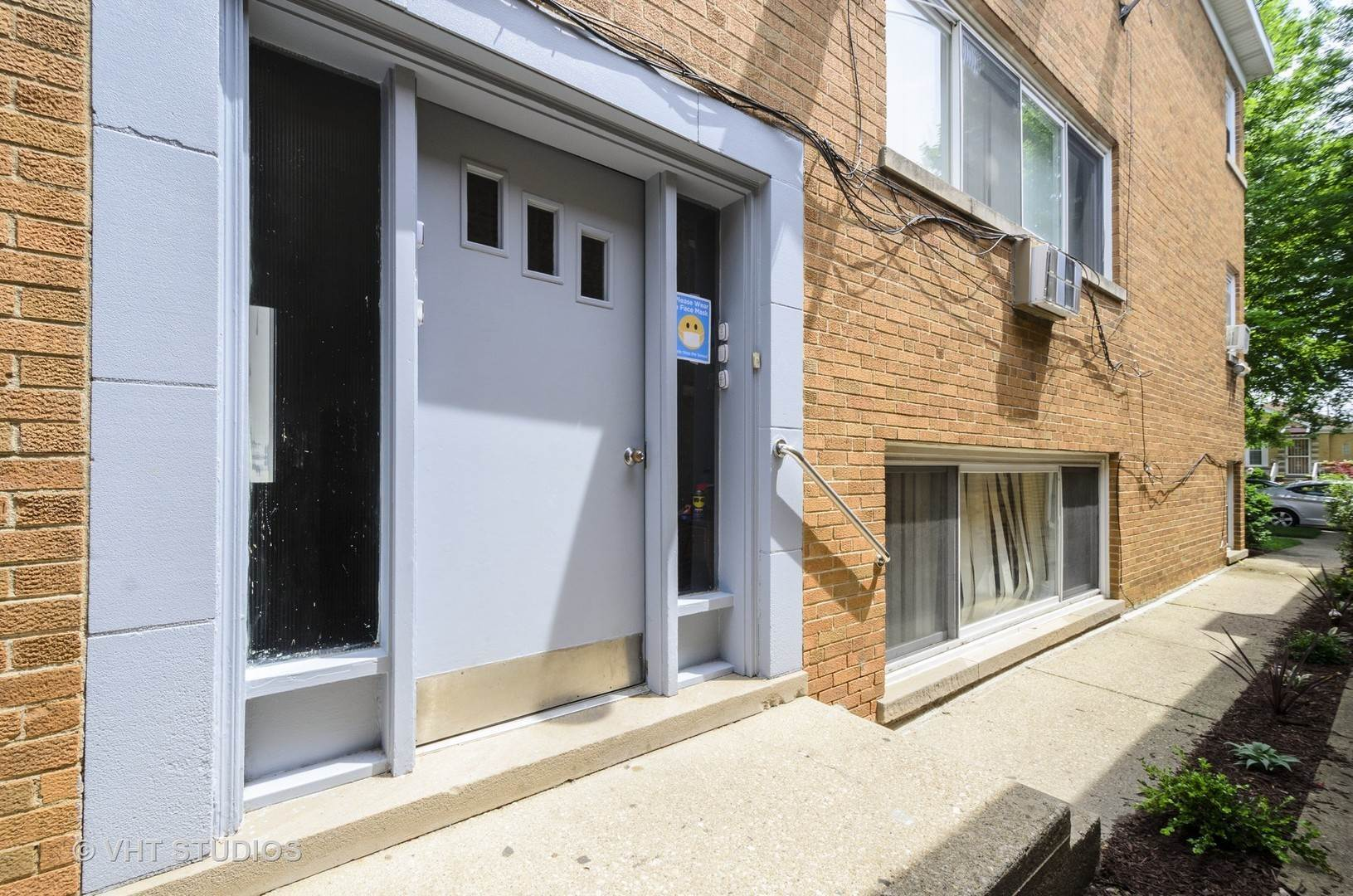 Commercial for Sale at 1403 Dobson Street Evanston, Illinois 60202 United States