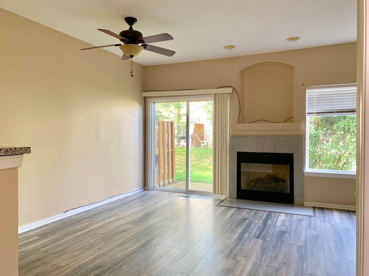 Residential Lease at 988 Parkhill Circle Aurora, Illinois 60502 United States