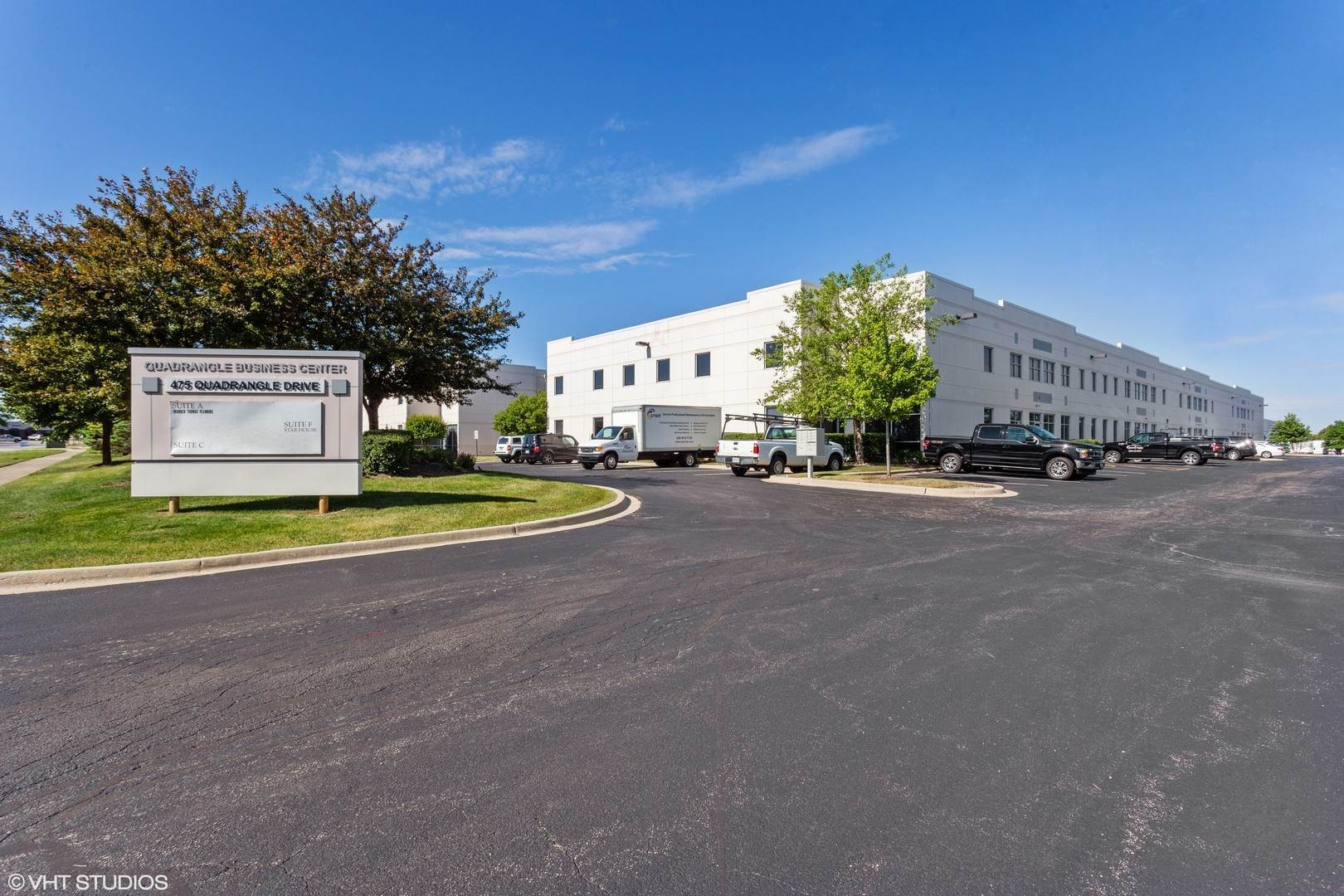 Commercial for Sale at 475 Quadrangle Drive Bolingbrook, Illinois 60440 United States