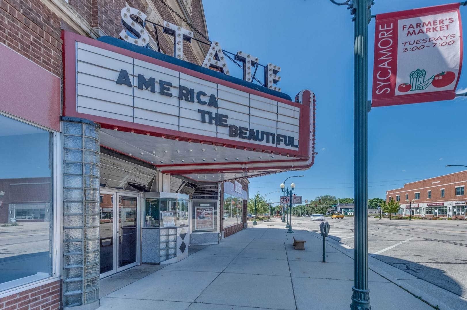 Commercial for Sale at 418 W State Street Sycamore, Illinois 60178 United States