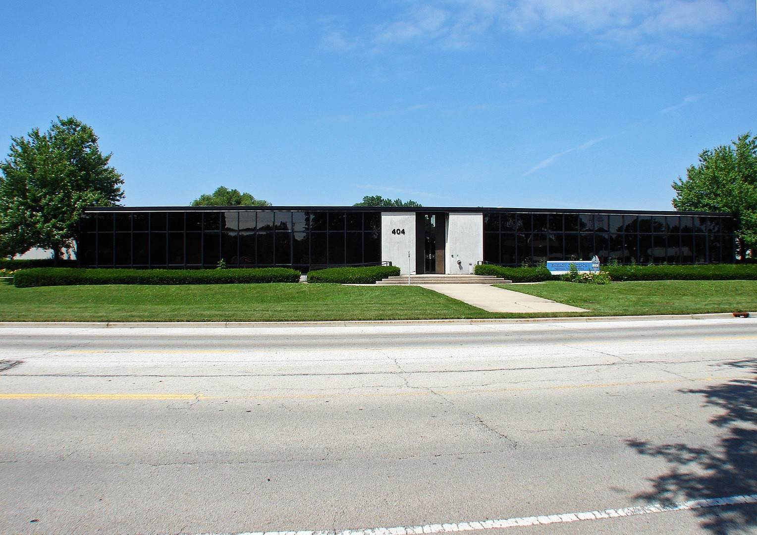 Commercial for Sale at 404 Washington Boulevard Mundelein, Illinois 60060 United States