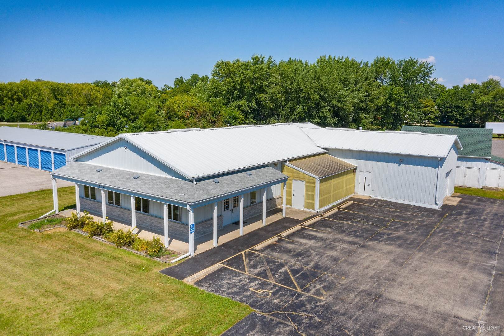 Commercial for Sale at 950 W Lincoln Avenue Hinckley, Illinois 60520 United States