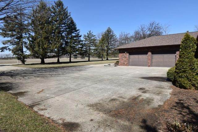 Single Family Homes for Sale at 200 S Westview Drive Pontiac, Illinois 61764 United States