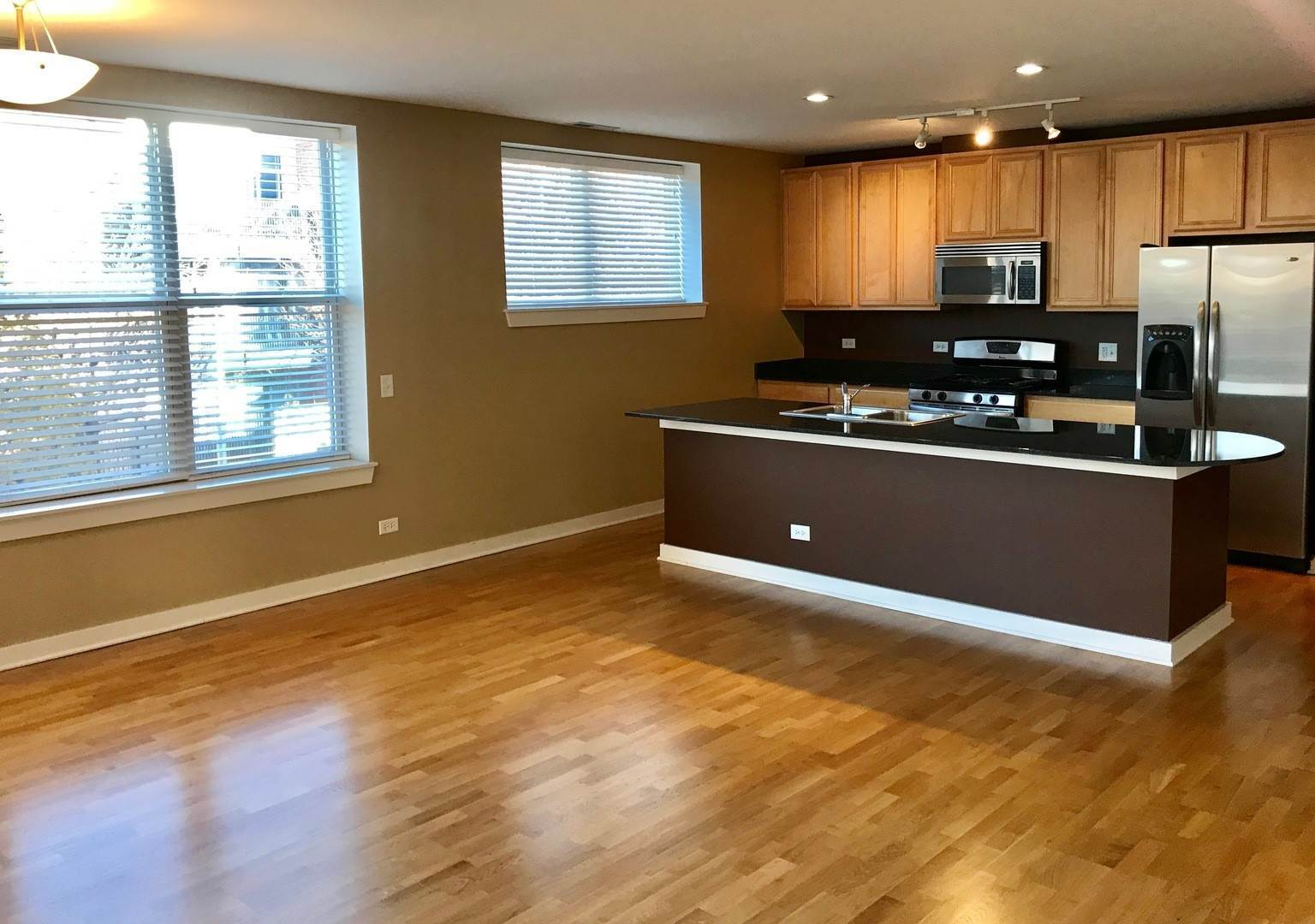 Rentals at 2231 West MAYPOLE Avenue Unit 201 Chicago, Illinois 60612 United States