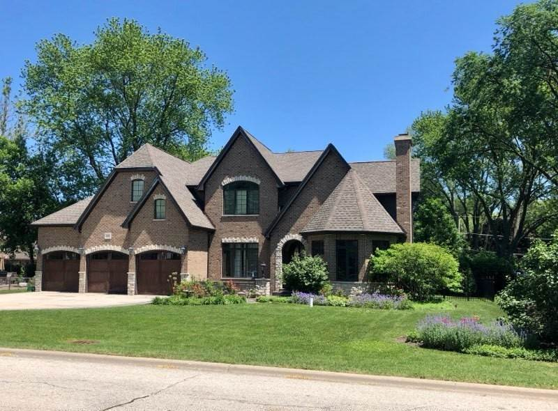 Single Family Homes for Sale at 1225 N Windsor Drive Arlington Heights, Illinois 60004 United States