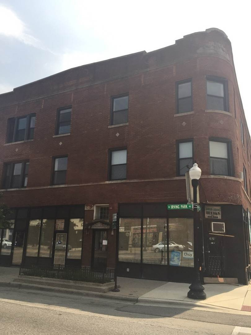 Commercial for Sale at 3025 W Irving Park Road Chicago, Illinois 60618 United States