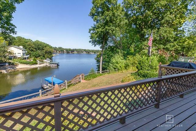 Single Family Homes for Sale at 209 Oak Cove Cove Lake Holiday, Illinois 60552 United States