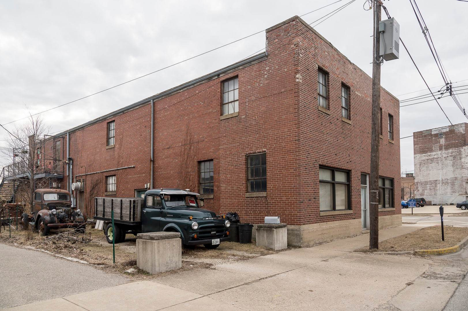 Commercial for Sale at 502 N Hickory Street Champaign, Illinois 61820 United States