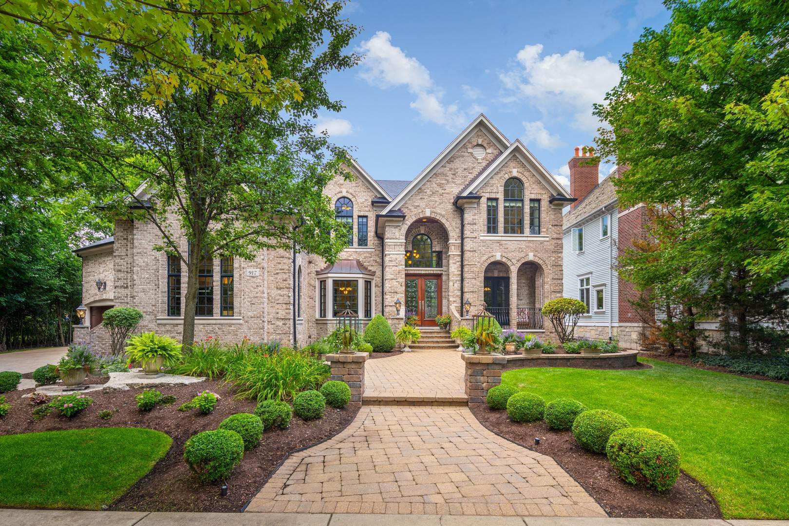 Single Family Homes for Sale at 917 Jackson Avenue Naperville, Illinois 60540 United States