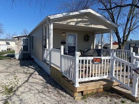 Manufactured Home for Sale at 532 S West Street Gibson City, Illinois 60936 United States