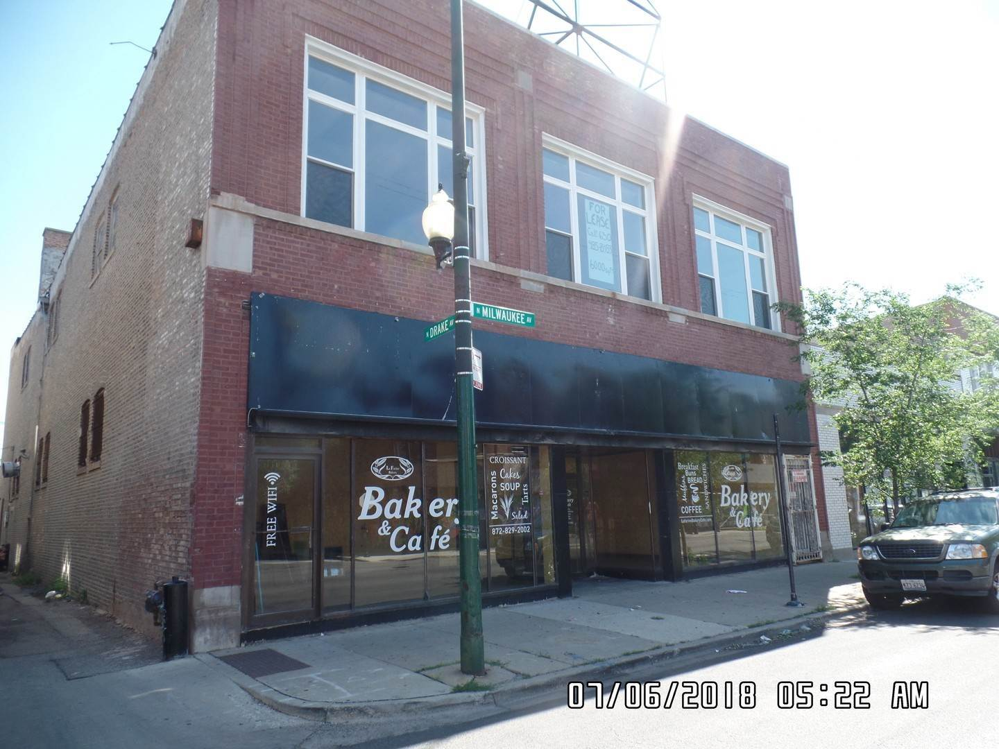 Commercial for Sale at 2909 N Milwaukee Avenue Chicago, Illinois 60618 United States