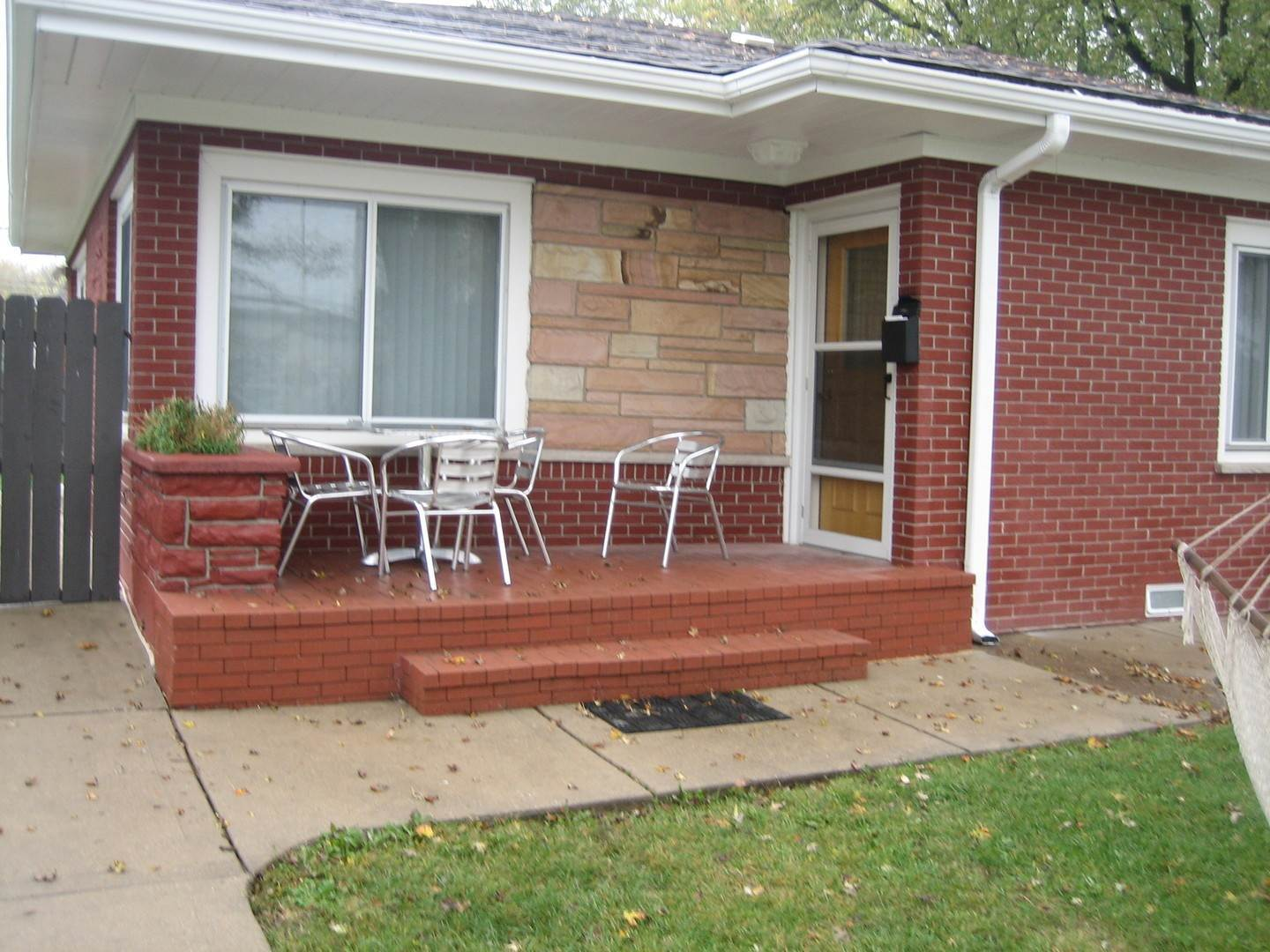 Single Family Homes for Sale at 10500 Montana Avenue Leyden Township, Illinois 60164 United States