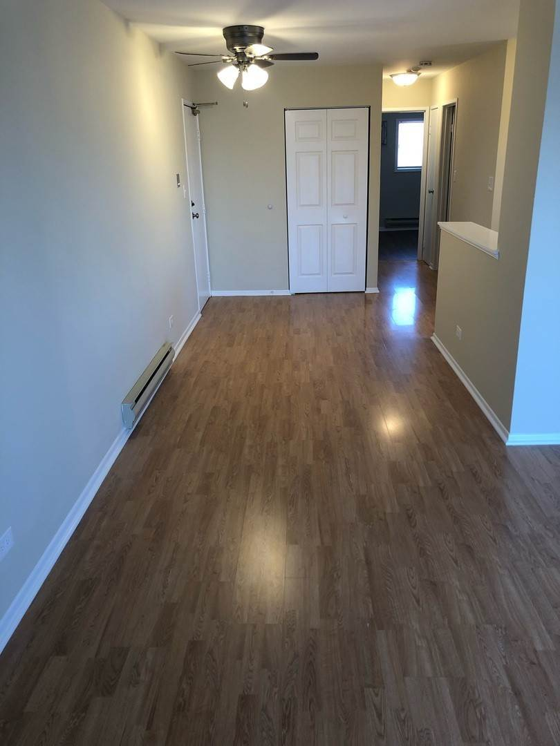 Residential Lease at 334 Shorewood Drive Glendale Heights, Illinois 60139 United States