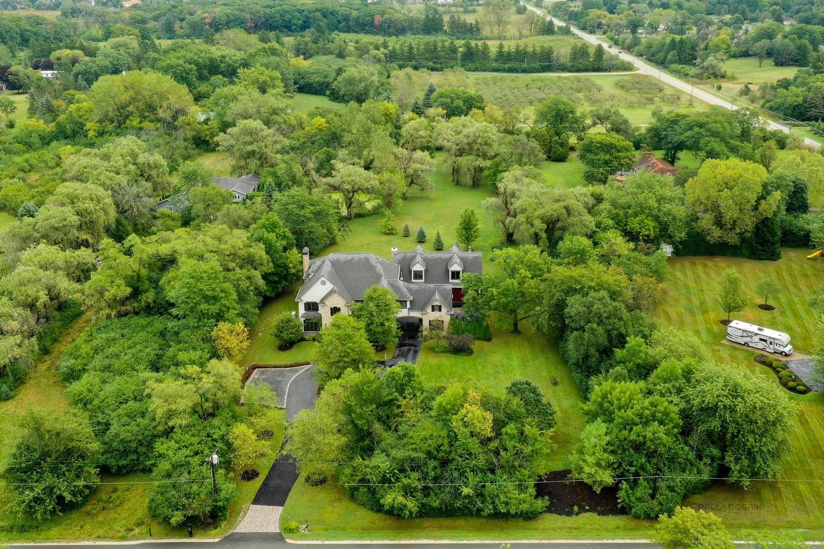 Single Family Homes for Sale at 950 Benson Lane Libertyville, Illinois 60048 United States