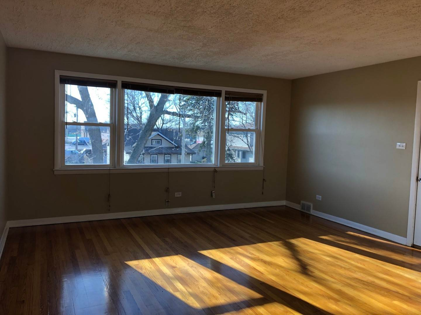 Residential Lease bei 547 24th Avenue Bellwood, Illinois 60104 Vereinigte Staaten