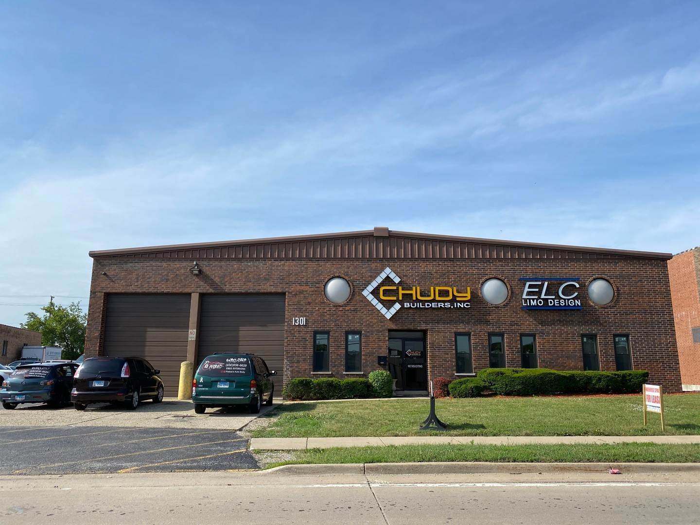 Commercial for Sale at 1301 Landmeier Road Elk Grove Village, Illinois 60007 United States