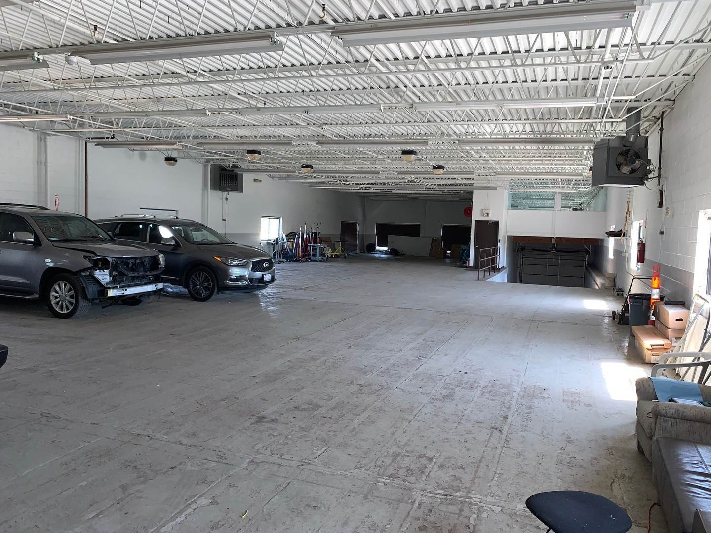 Commercial for Sale at 1765 Busse Highway Des Plaines, Illinois 60016 United States
