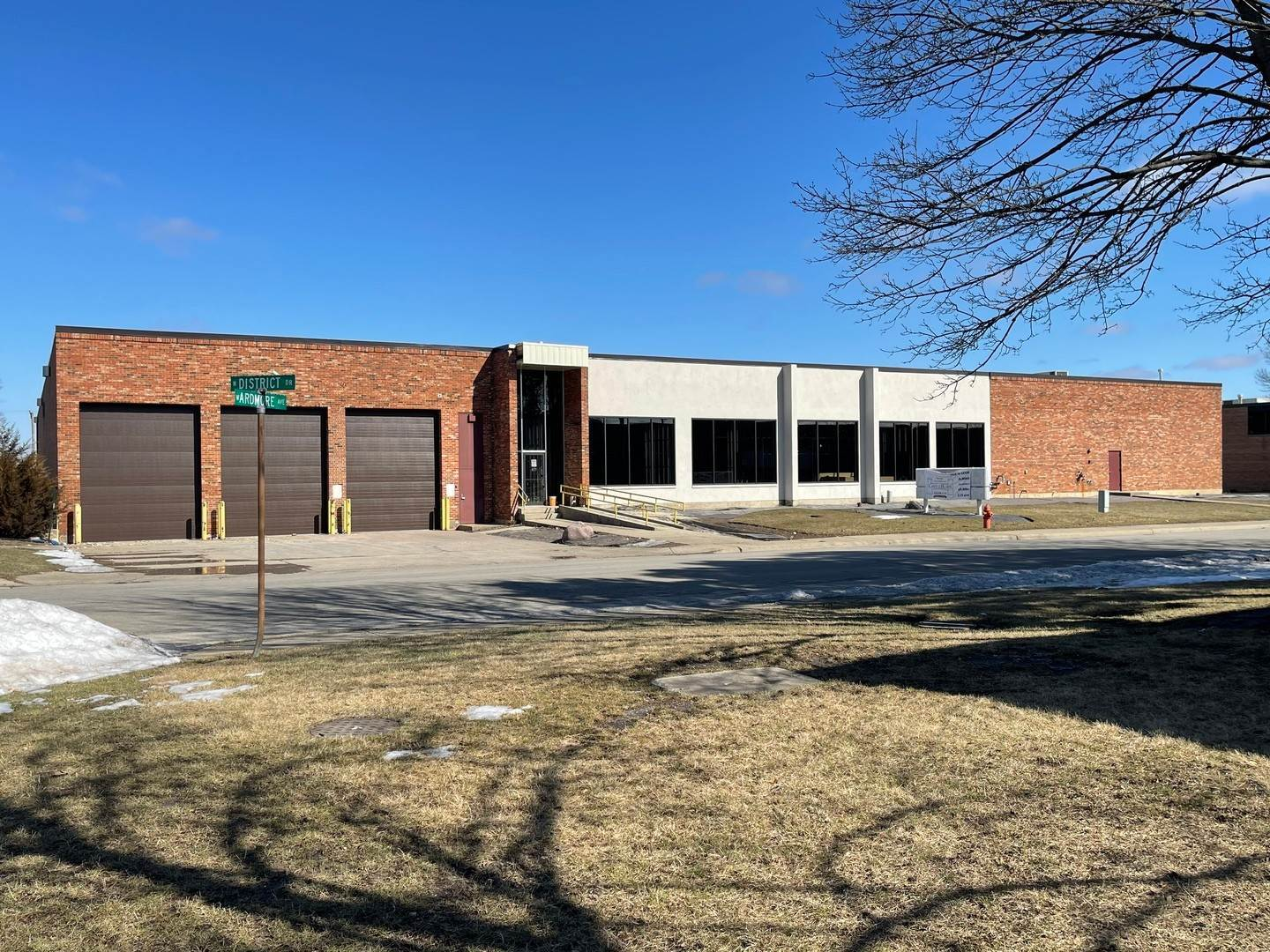 Commercial for Sale at 1301 Ardmore Avenue Itasca, Illinois 60143 United States