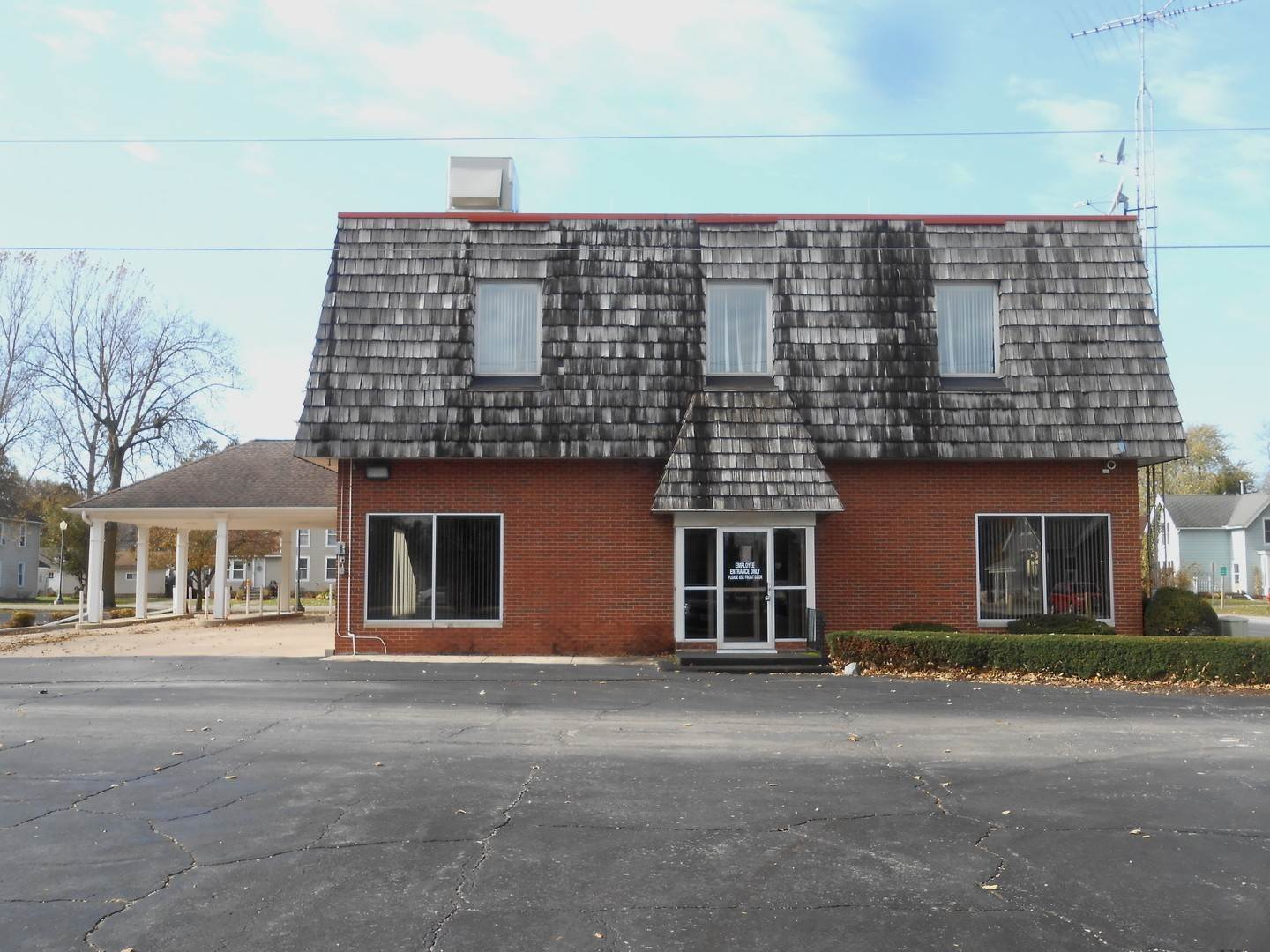 Commercial for Sale at 606 Depot Street Mazon, Illinois 60444 United States