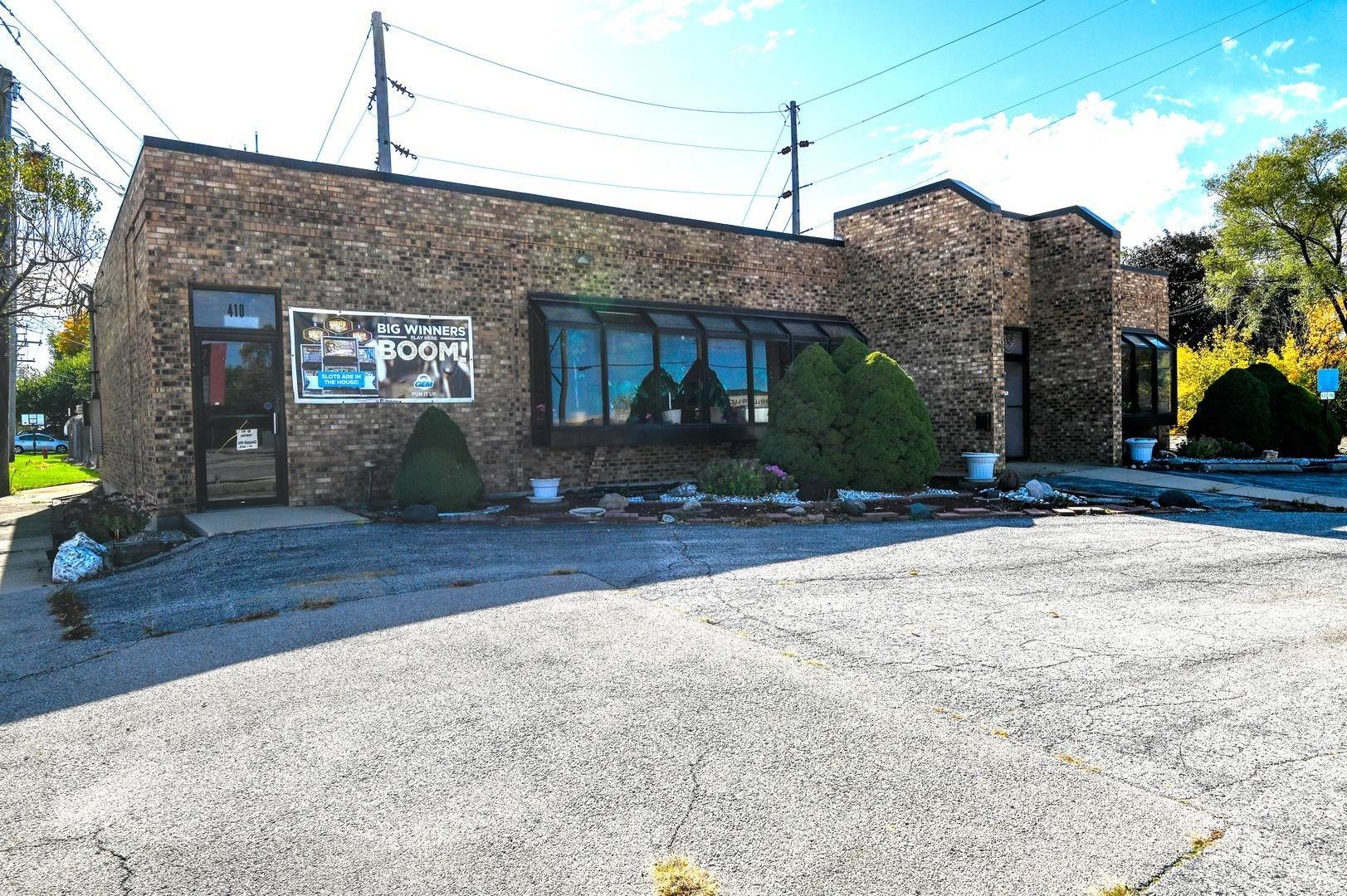 Commercial for Sale at 410 E Green Street Bensenville, Illinois 60106 United States