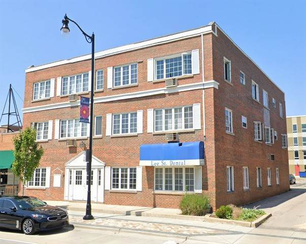 Commercial for Sale at 790 Lee Street Des Plaines, Illinois 60016 United States
