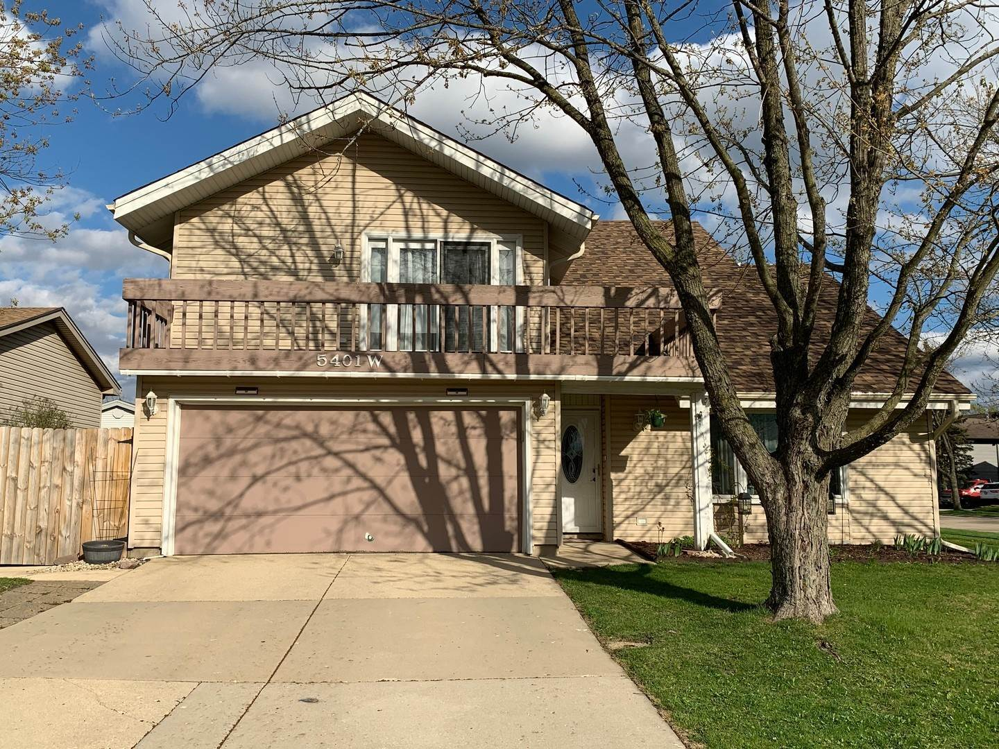Single Family Homes for Sale at 5401 W Arlington Drive Hanover Park, Illinois 60133 United States