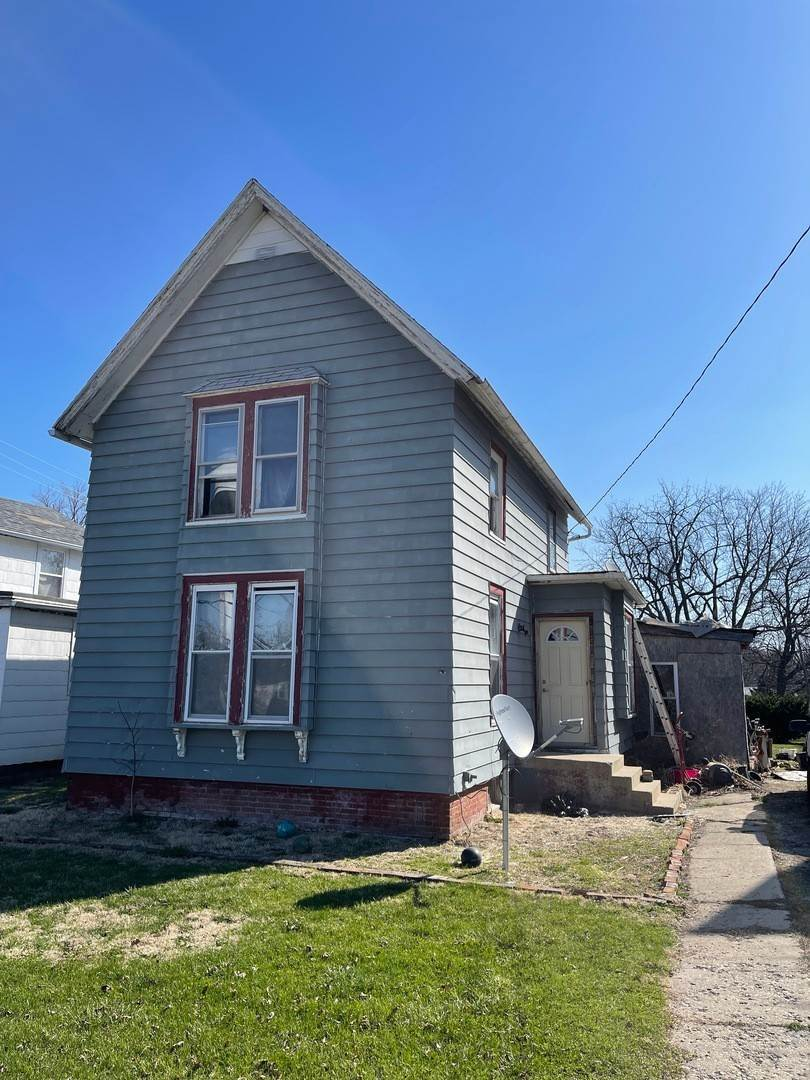 Single Family Homes for Sale at 103 S Main Street Ohio, Illinois 61349 United States
