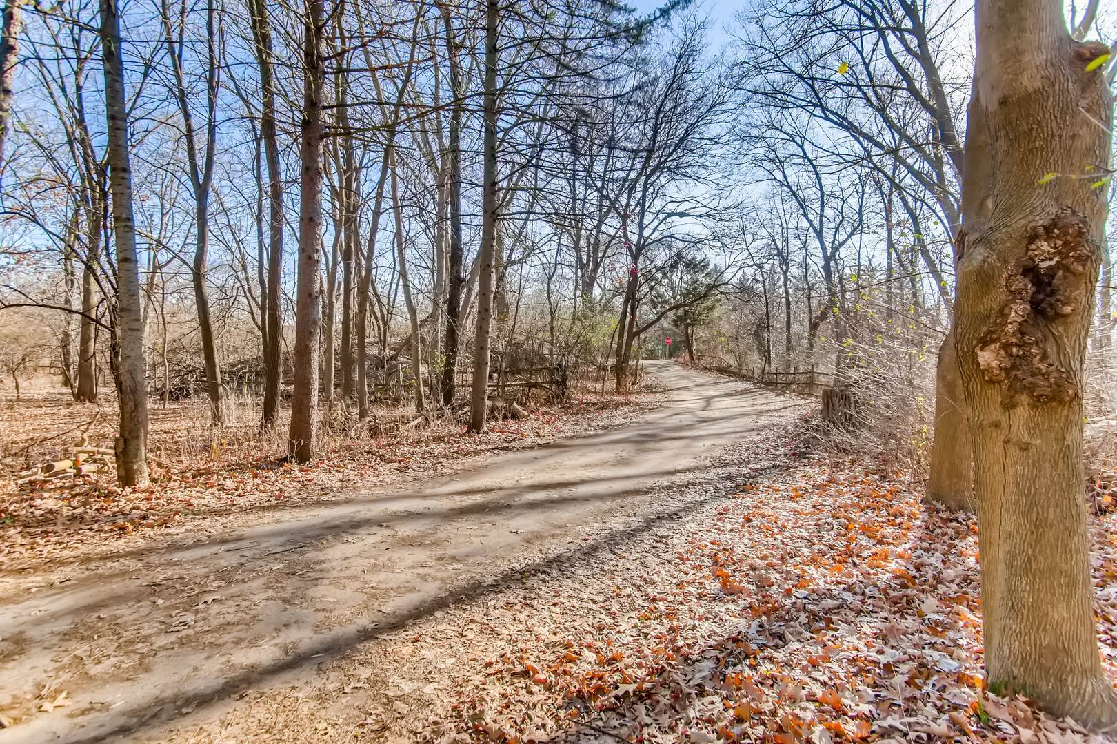Land for Sale at 390 N East River Road Des Plaines, Illinois 60016 United States