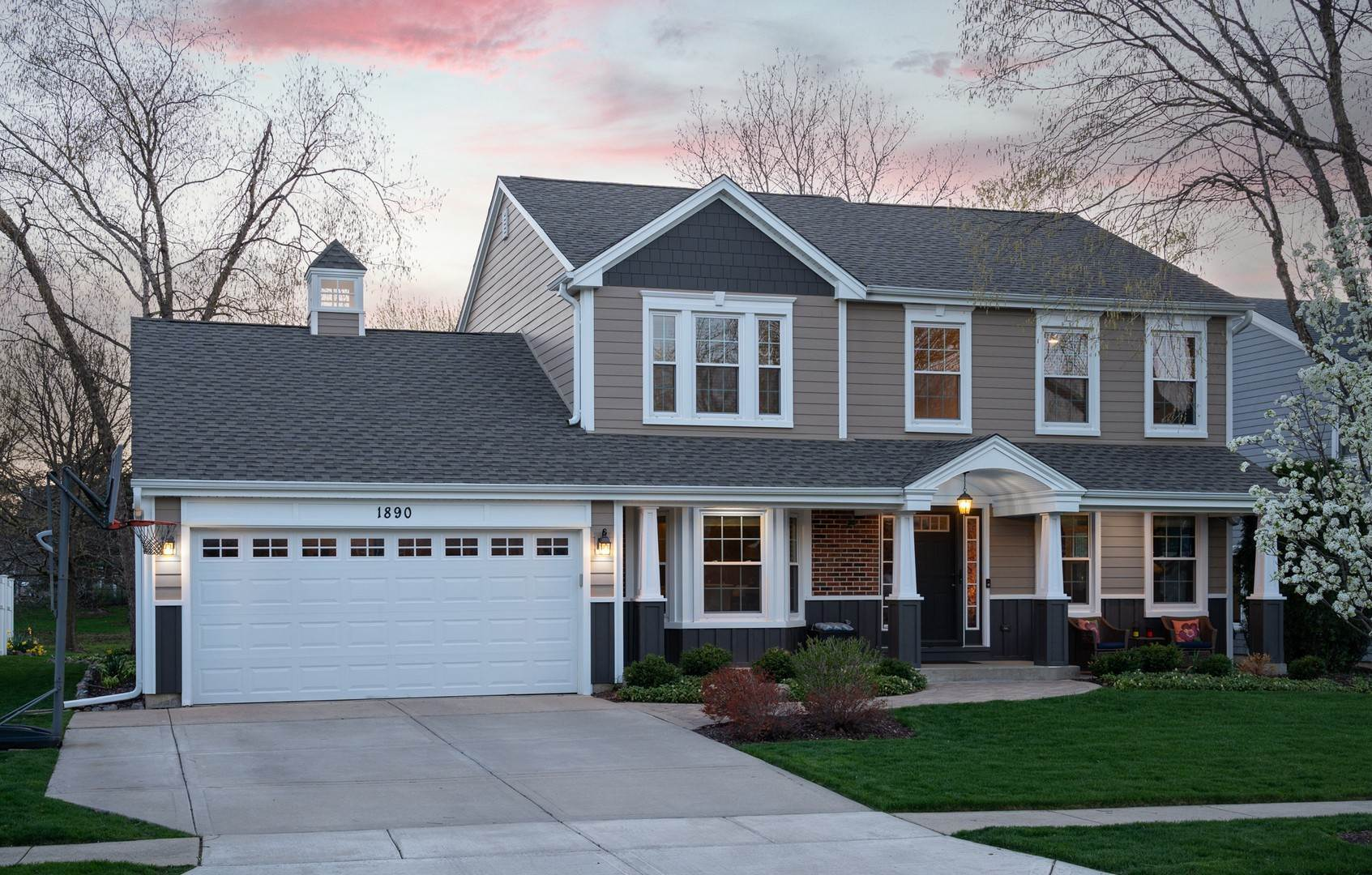 Single Family Homes for Sale at 1890 Maine Drive Elk Grove Village, Illinois 60007 United States