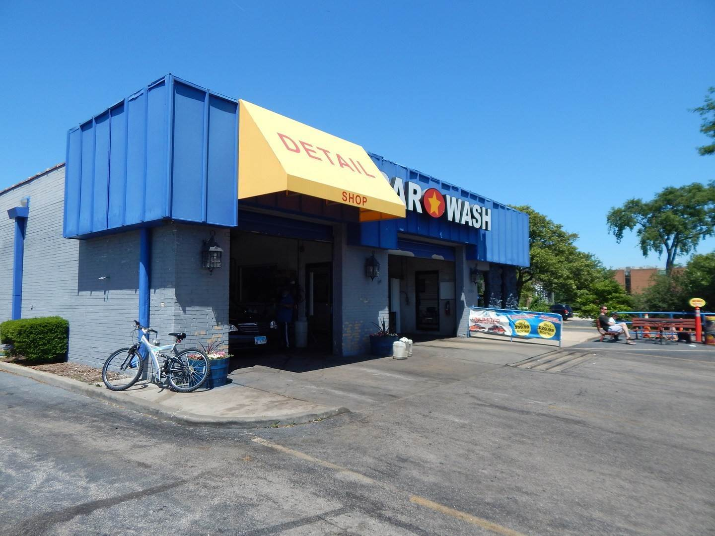 Business Opportunity for Sale at 3104 Ogden Avenue Lisle, Illinois 60532 United States