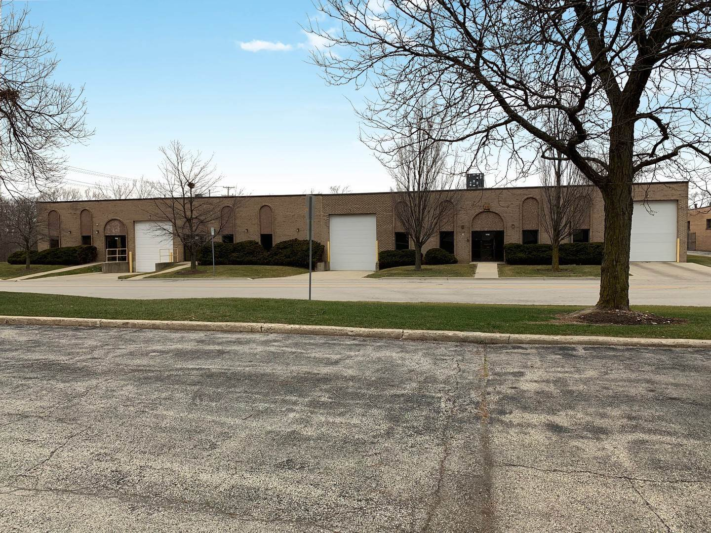 Commercial for Sale at 1118 Morse Avenue Schaumburg, Illinois 60193 United States