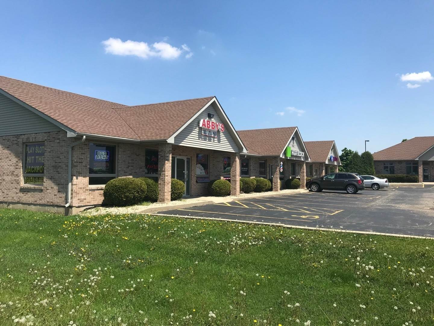 Commercial for Sale at 701 Pearson Drive Genoa, Illinois 60135 United States