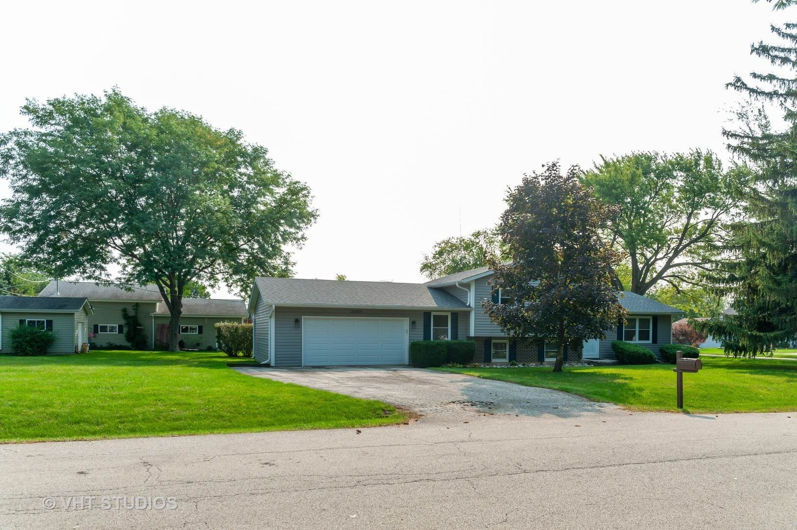 Single Family Homes for Sale at 20651 N Elizabeth Avenue Prairie View, Illinois 60069 United States