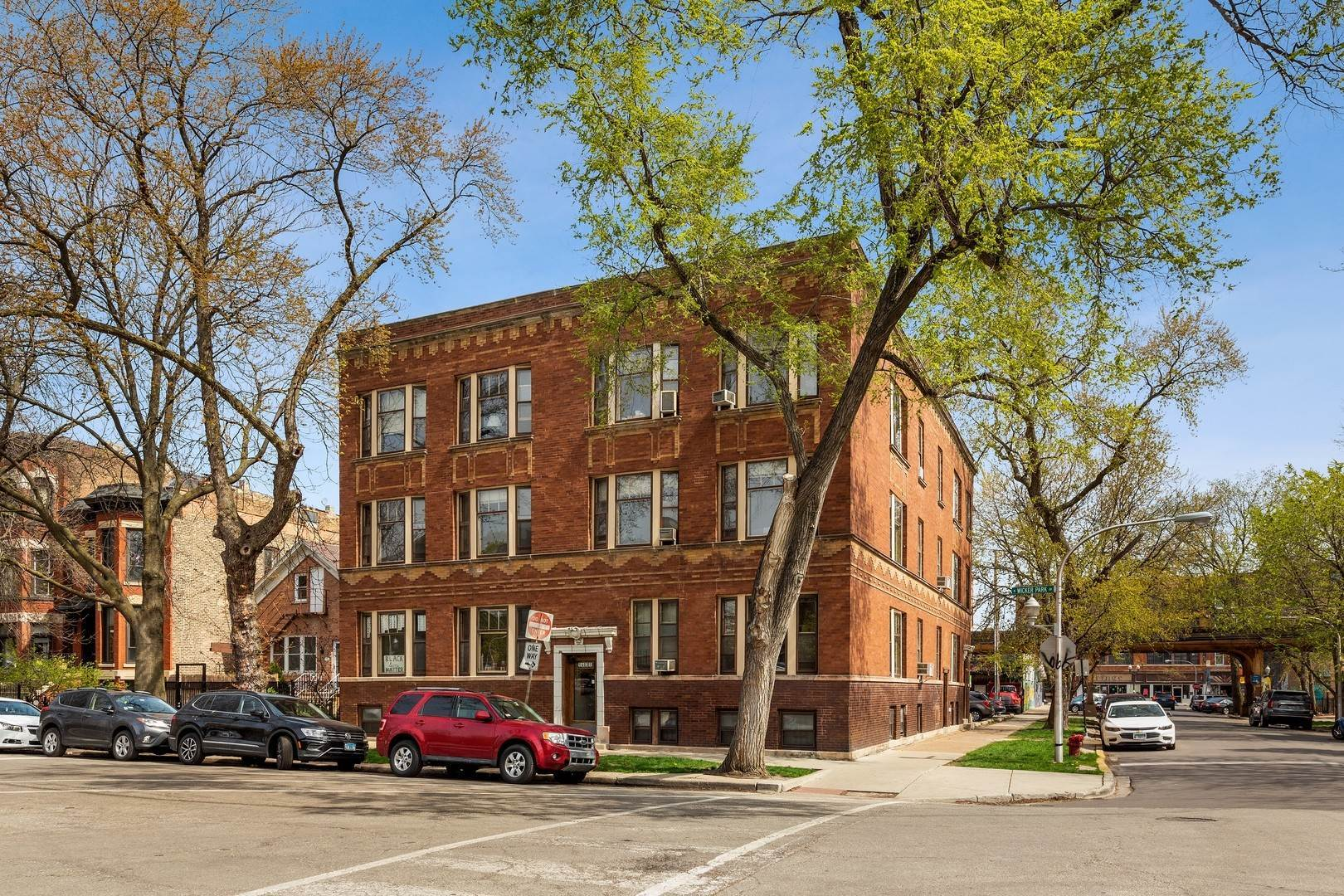 Commercial for Sale at 1401 N Wicker Park Avenue Chicago, Illinois 60622 United States