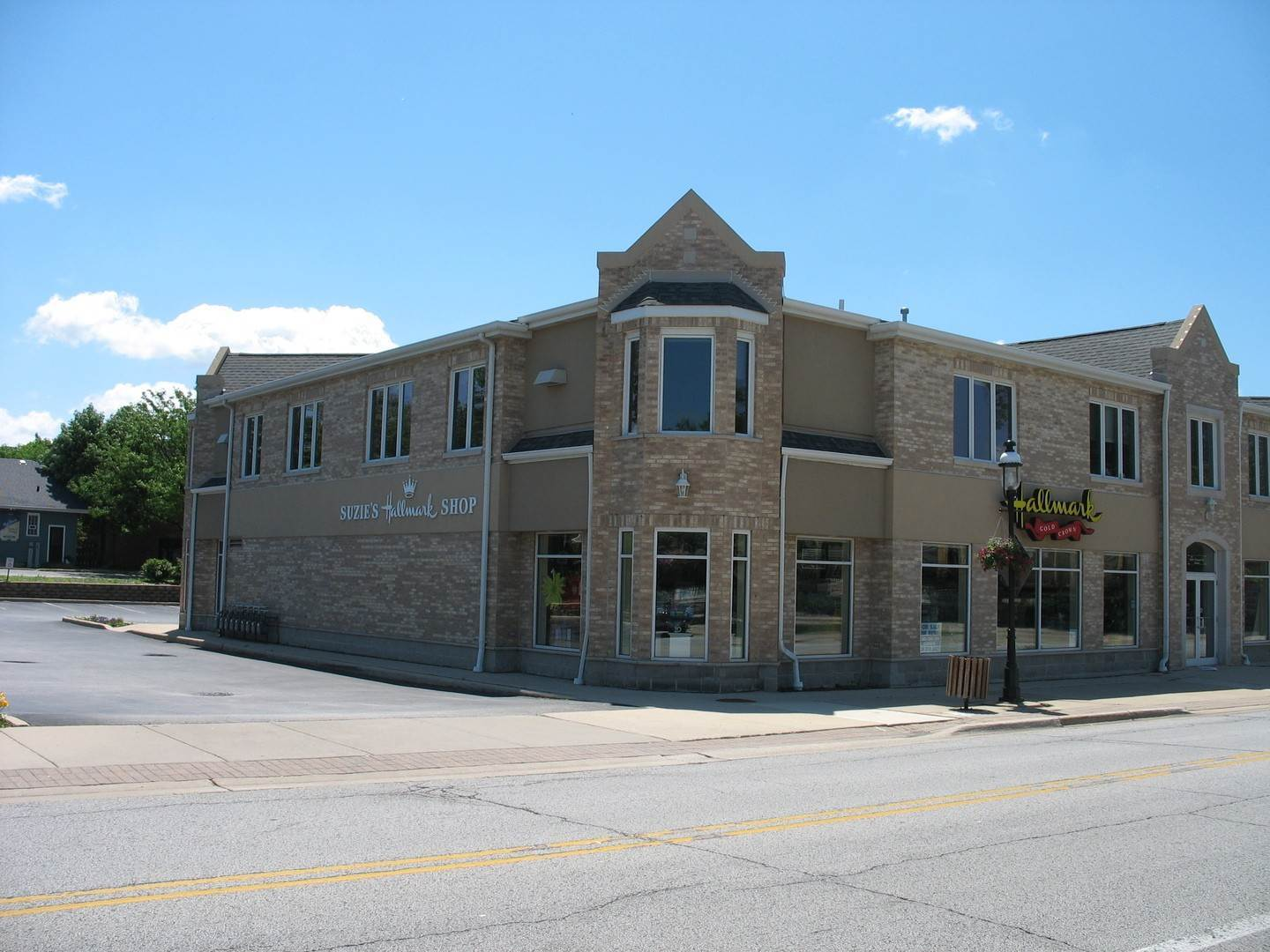 Commercial for Sale at 18065 Harwood Avenue Homewood, Illinois 60430 United States
