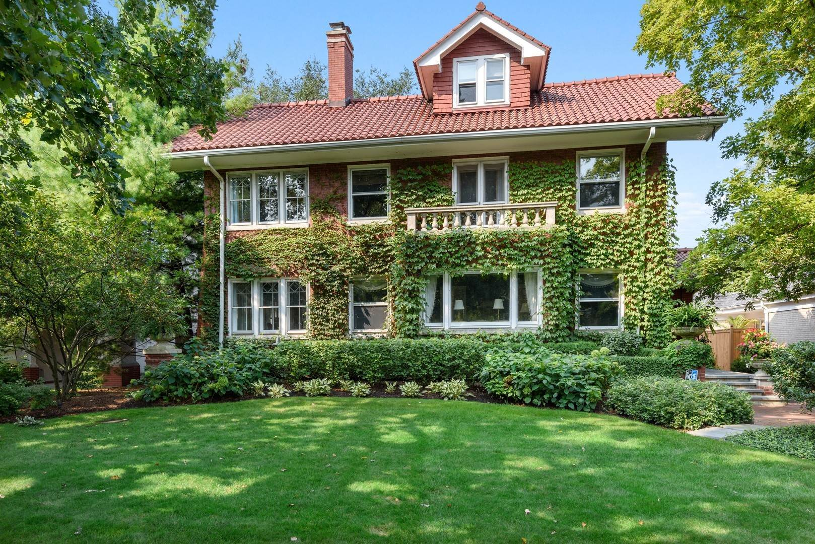 Single Family Homes for Sale at 938 Edgemere Court Evanston, Illinois 60202 United States