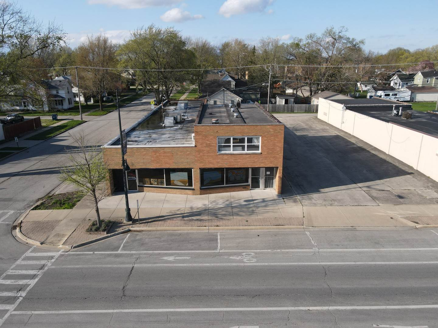 Commercial for Sale at 665 W Broadway Street Bradley, Illinois 60915 United States