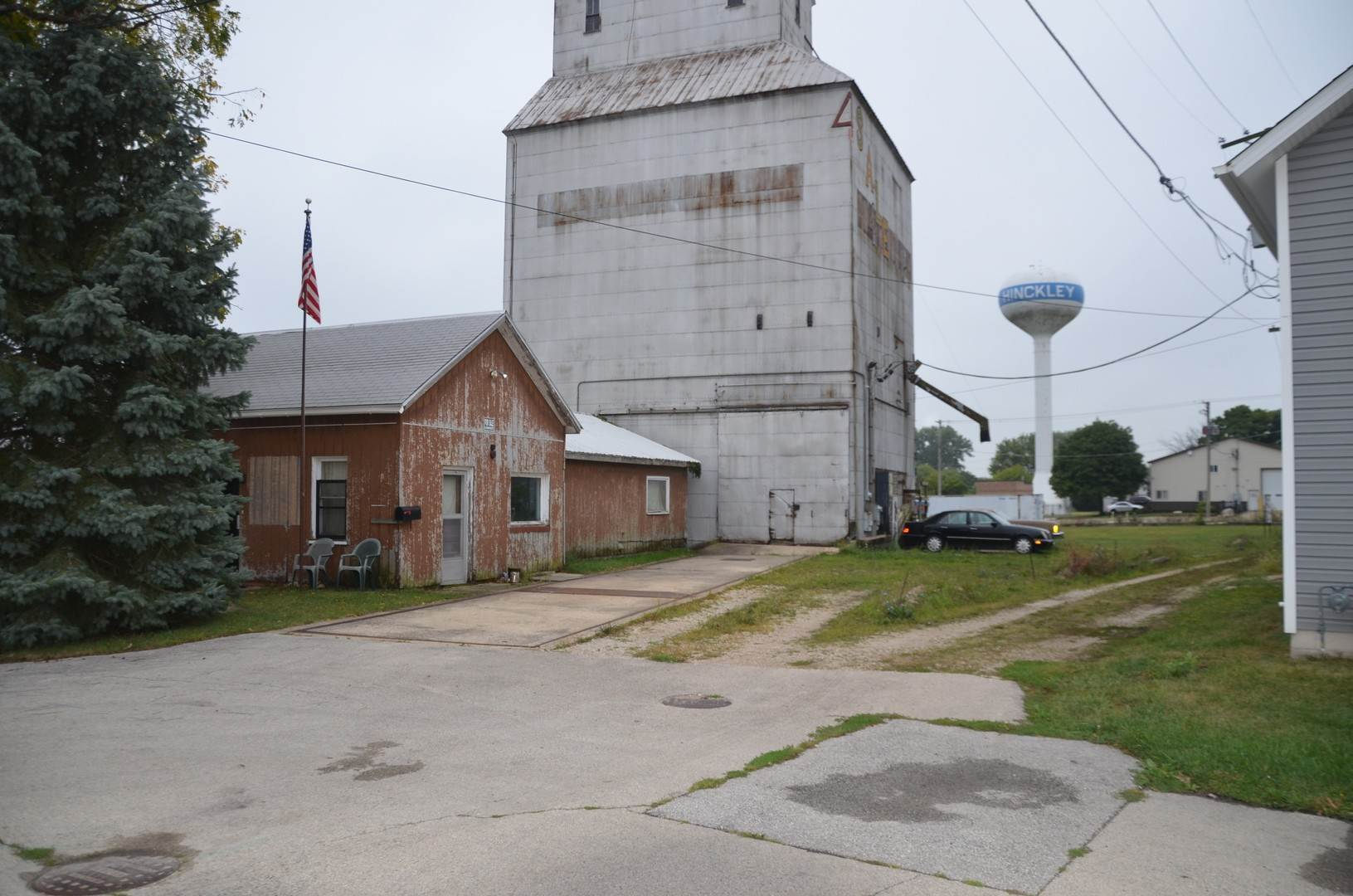 Commercial for Sale at 137 S May Street Hinckley, Illinois 60520 United States