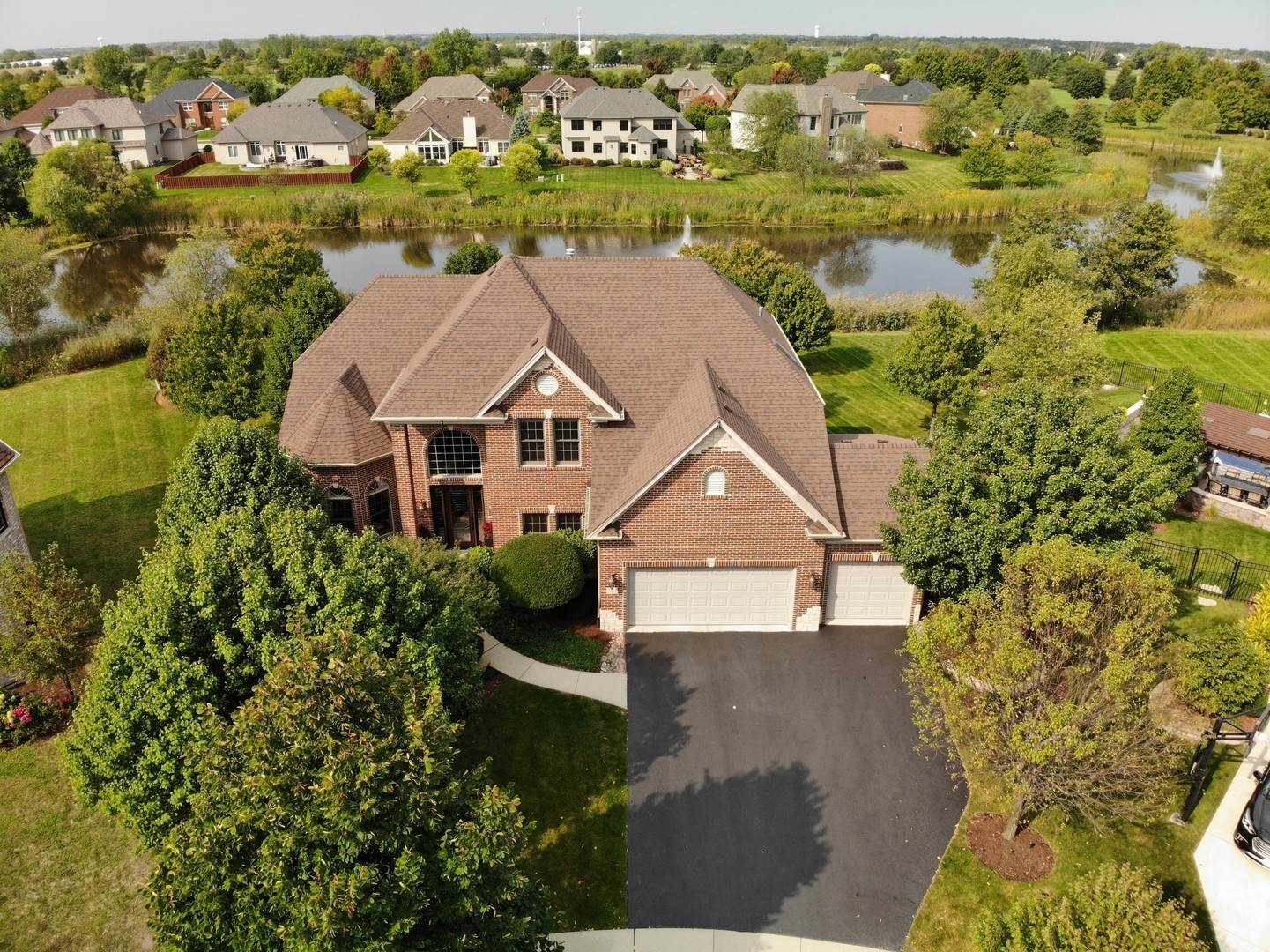 Single Family Homes for Sale at 5 Heather Court Bolingbrook, Illinois 60490 United States